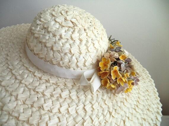 Vintage 1940's Wide Brim Cream Straw Hat, Yellow … - image 4