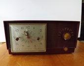 RCA Victor Deluxe clock radio, vintage electronic, retro, maroon, mid century, decor, decoration, bedroom, display, stereo, dial, alarm, old