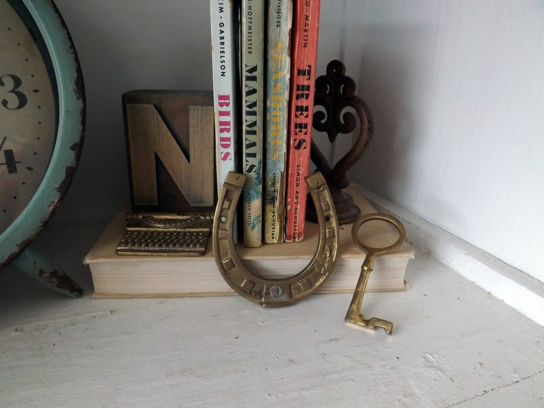 office vintage lucky display small workshop retro clover Brass horseshoe and key skeleton key decor decoration craft room