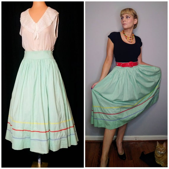 1940's 40s Seafoam Circle Skirt / Folk / Ric Rac R