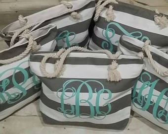 Set of 6 Bridesmaid Totes, Monogram Tote, Personalized Tote Bag, Grey and Mint Tote, Grey Beach Bag, Bridesmaid Gifts, Bridal Party Gifts,