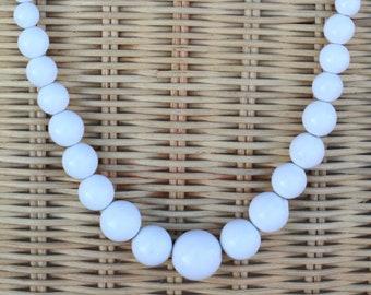 Retro Plastic Fred Flintstone Beaded Necklace /& Earring Set Germany