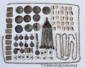 Tribal Metall DIY-Collection with Tribal-Pendant and Cowry Shells, Vintage, 48 pieces plus 25 Cowry Shells