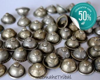"""Vintage Turkmen Tribal Buttons, Set of 25 pieces; 1,5 - 1,8 cm / 0.6 - 0.7 """" Diameter"""