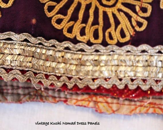 Tissu vintage de Kuchi Kuchi de de pièce, brodé vieux tissu tribal ethnique, utilisé nomades, effilochés, Asie centrale, Ref. 21118.19 697728