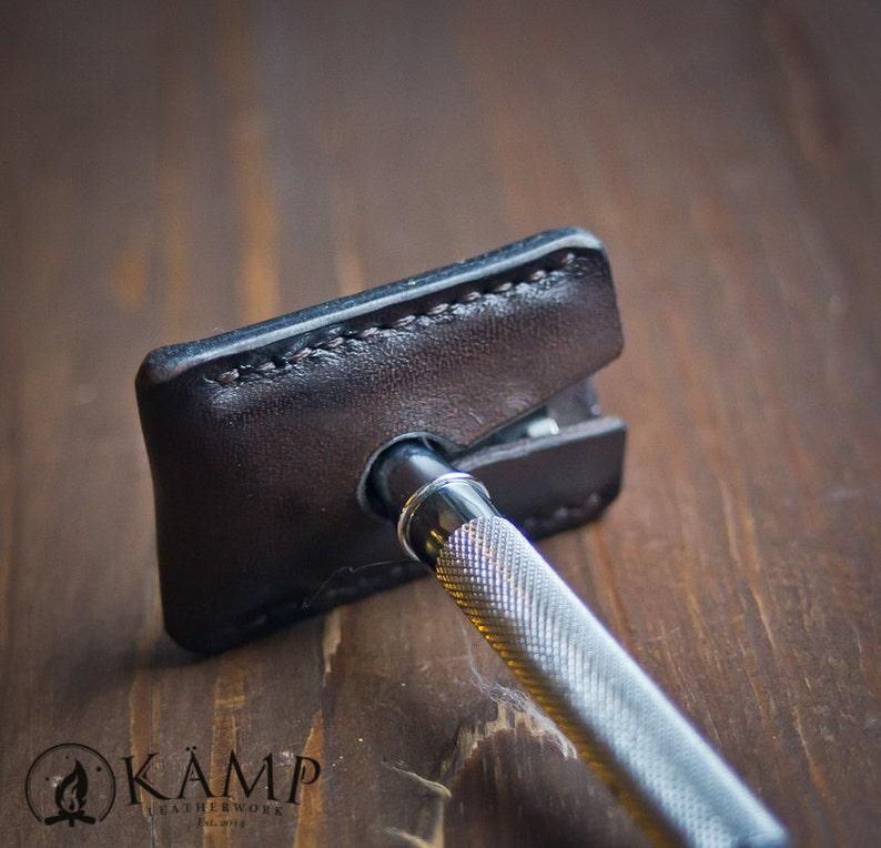 /'Yggdrasil/' Safety razor leather sheath cover case