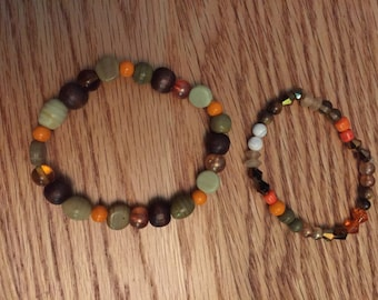 Set of two earth-toned beaded stretch bracelets