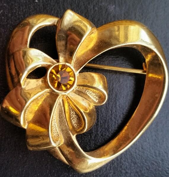 Vintage Heart brooch for her -  Avon Birthstone jewelry - Zodiac Gift For Scorpio - Heart bow yellow gold topaz November Vintage Avon