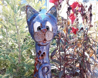 Decorative garden cat