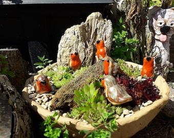 One Miniature Pottery Robin