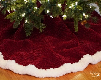 Crochet Tree Skirt PATTERN  // Winter Decor // Christmas Decorations // Crochet Christmas Tree Skirt // Red Fur Tree Skirt / CarlyAnnaCrafts
