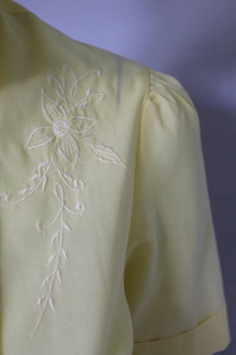 Embroidery Shirt Summer Shirt Womens Vintage Shirt 80s Shirt Floral 80s Shirt, Button Up Shirt Yellow Vintage Shirt