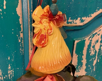 Vintage rooster shaker ornament with ribbons