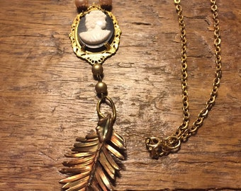 Vintage cameo boho pendant necklace with drop gold vintage feather