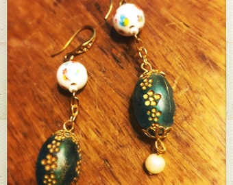 "Gorgeous vintage ""peacock"" blue drop bead earrings"