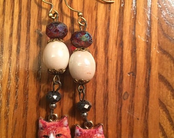 Judgmental kitty dangle drop earrings