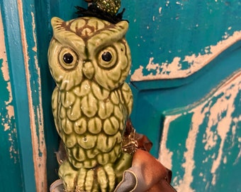 Fancy Owl is so cute! Ready to dress up your home