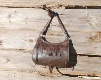 Vintage leather crossbody boho bag with flap and fringes 11eb8ea0206f8