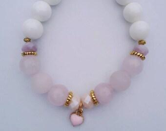 Rose quartz and tridacna beaded bracelet, heart charm bracelet, love bracelet, gemstone bracelet,semi precious stones