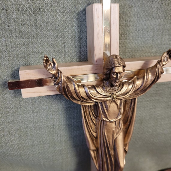 """Risen Jesus Christ wall cross 10"""" for home, church, office and gift giving. James Brennan creation Available in both walnut and maple"""