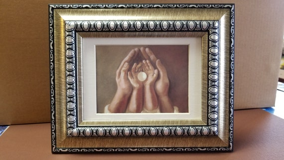 Holy Communion desktop or shelf framed gift for home, boy or girl Bread of Life depiction of Holy Eucharist Pan de Vida