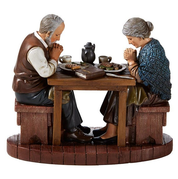 Thanksgiving figure with couple saying grace at meal time statue for table, shelf, gift