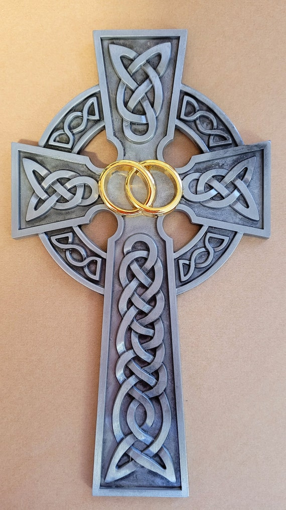 Irish Wedding Cross with Gold Rings in the center