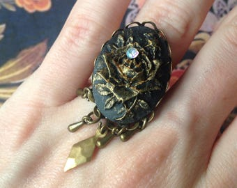 The black rose Adjustable ring