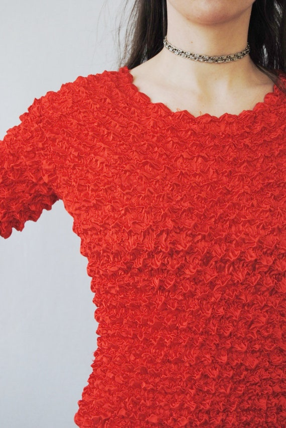 90s crinkle top in cherry red, vintage micropleat… - image 7