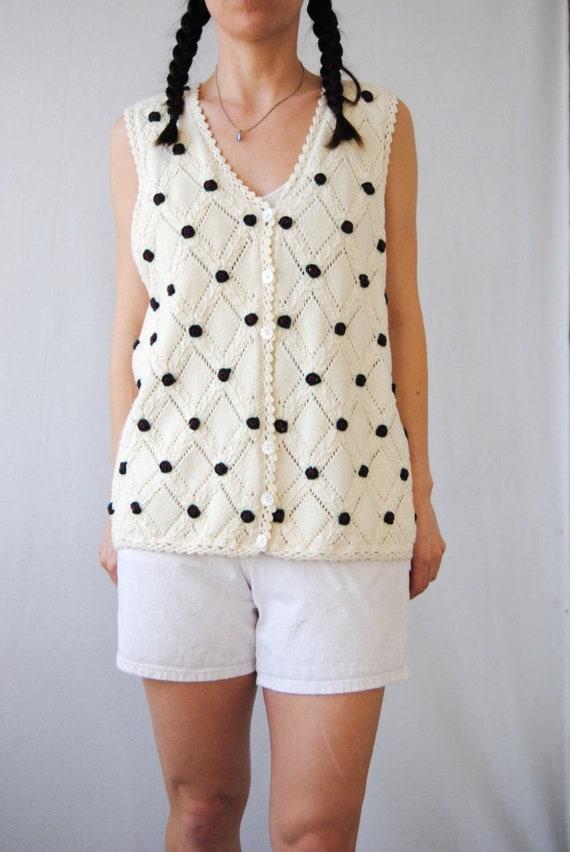 90s knit vest with rose appliqués, vintage croche… - image 2
