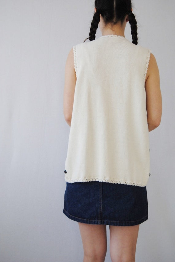 90s knit vest with rose appliqués, vintage croche… - image 6