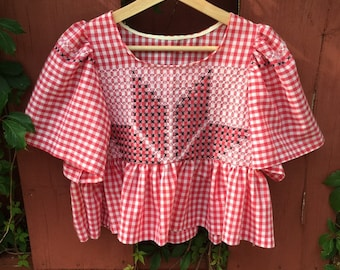 Upcycled gingham blouse with hand embroidered quilt star — red gingham top, cross stitching, cottagecore crop top, small
