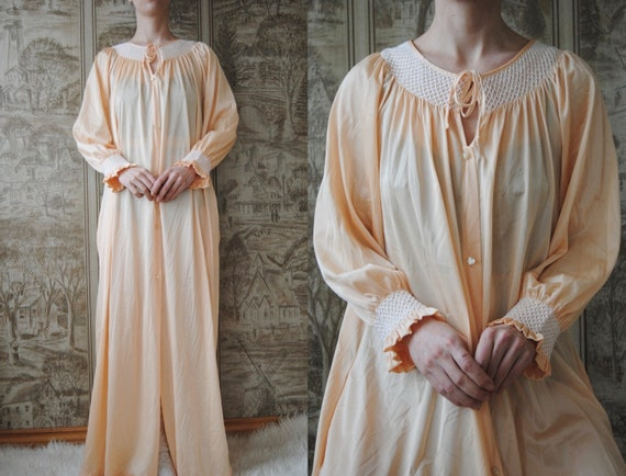 70s smocked nightgown with contrast stitching, vin