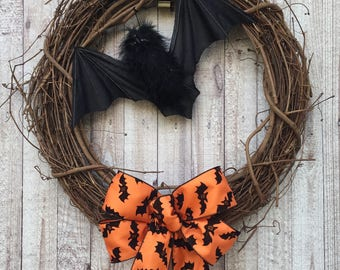 Halloween Bat Wreath, Halloween Door Decor, Halloween Wreath, Bat Wreath, Halloween Bat Decor, Wreath for Halloween, Halloween Decor