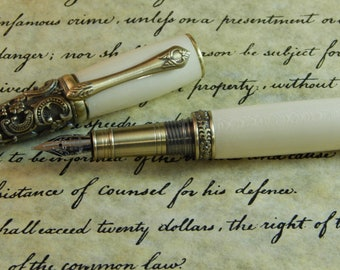 Victorian Fountain Pen with American Holly - Free Shipping #FP10127