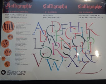 Brause Introduction to Calligraphy Lettering Guide Practice Set. 9 Styles, 12 Practice Cards, Includes Italic Script, Unical, Gothic & More