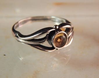 Sterling Silver Ring with a 5mm Citrine - Ring Size 8