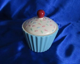 Cup Cake Lidded Pot