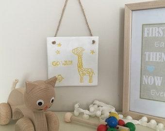 Children's go wild giraffe zoo animal wall plaque