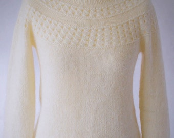 Floe - A pattern for a seamless yoke sweater.