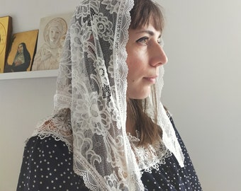Triangular lace veil to attend Holy Catholic Mass, chapel veil