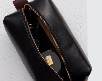 Horween Leather Dopp Kit in Black Dublin