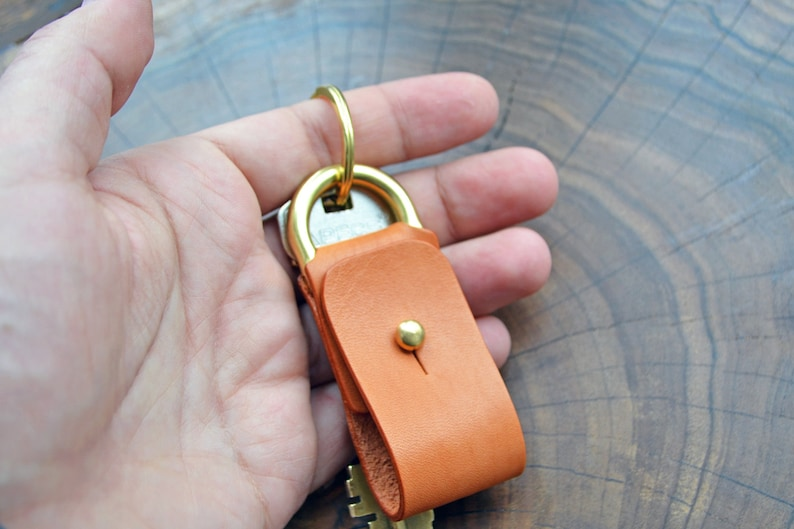 Horween Leather key fob in Veg tanned leather Natural full grain leather keychain with solid brass patina fob accessory \\ small snap key