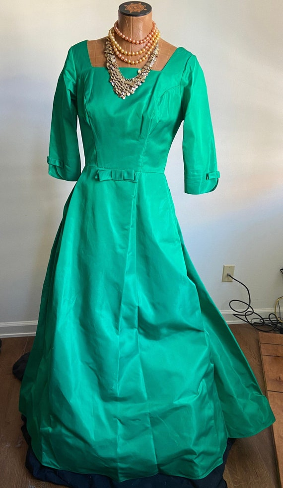 Elegant Vintage 1950s Party Dress