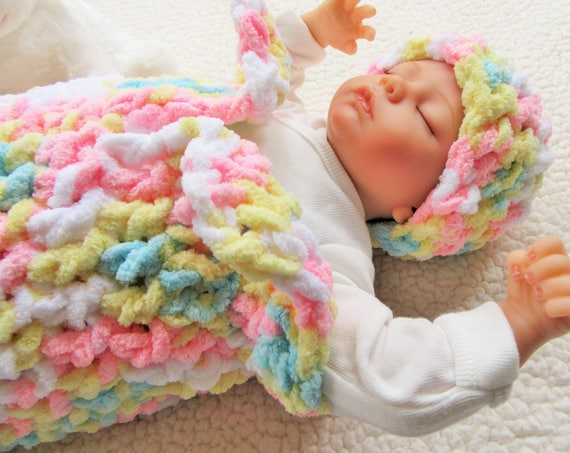 lowest price cbdb6 f37e0 Baby Cocoon Set, Crochet Baby Hat, Baby Sleep Sack, Newborn Photo Prop,  Infant Gift, Baby Snuggle Sack, Baby Bedding, Swaddle Sack, Easter