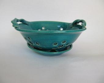 ceramic berry bowl, turquiose glaze.