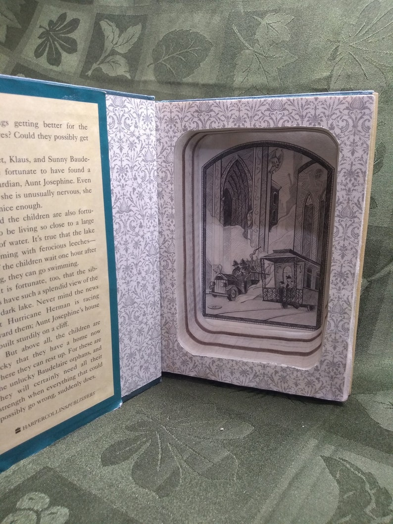 3-in-1 Hollow Book Safe with optional Magnetic Lock  A image 0
