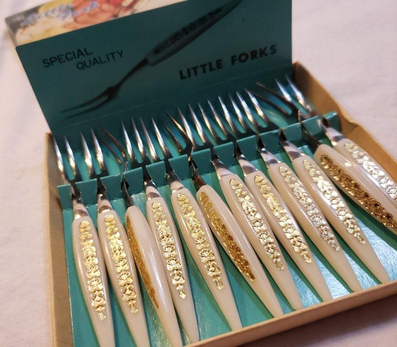 Vintage Set 12 Little Fork Cocktail Hors d/'Oeuvres Forks Party Stainless Steel Plastic Original Box