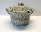Robinson Ransbottom Blue Spongeware 2 Quart Crock with Lid Roseville Ohio 700