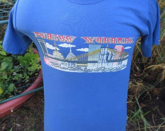 Vintage NYC New York City Skyline Tshirt The Big Apple Size Small S